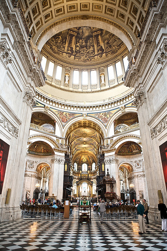 Wedding Photography - St Paul's Cathedral - by Ian McGraw LBIPP
