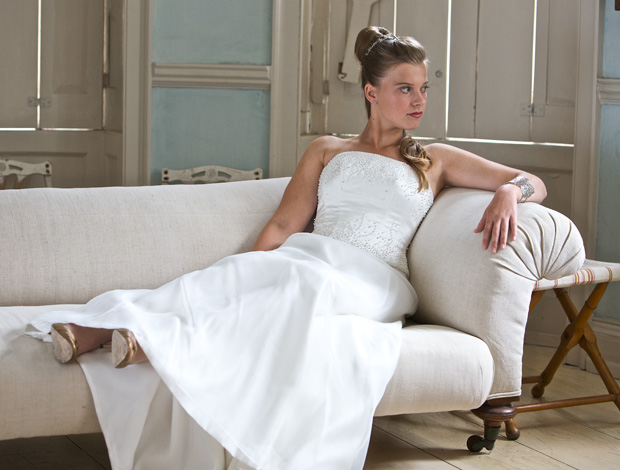 Relaxed Bride - Chiswick - by Ian McGraw LBIPP